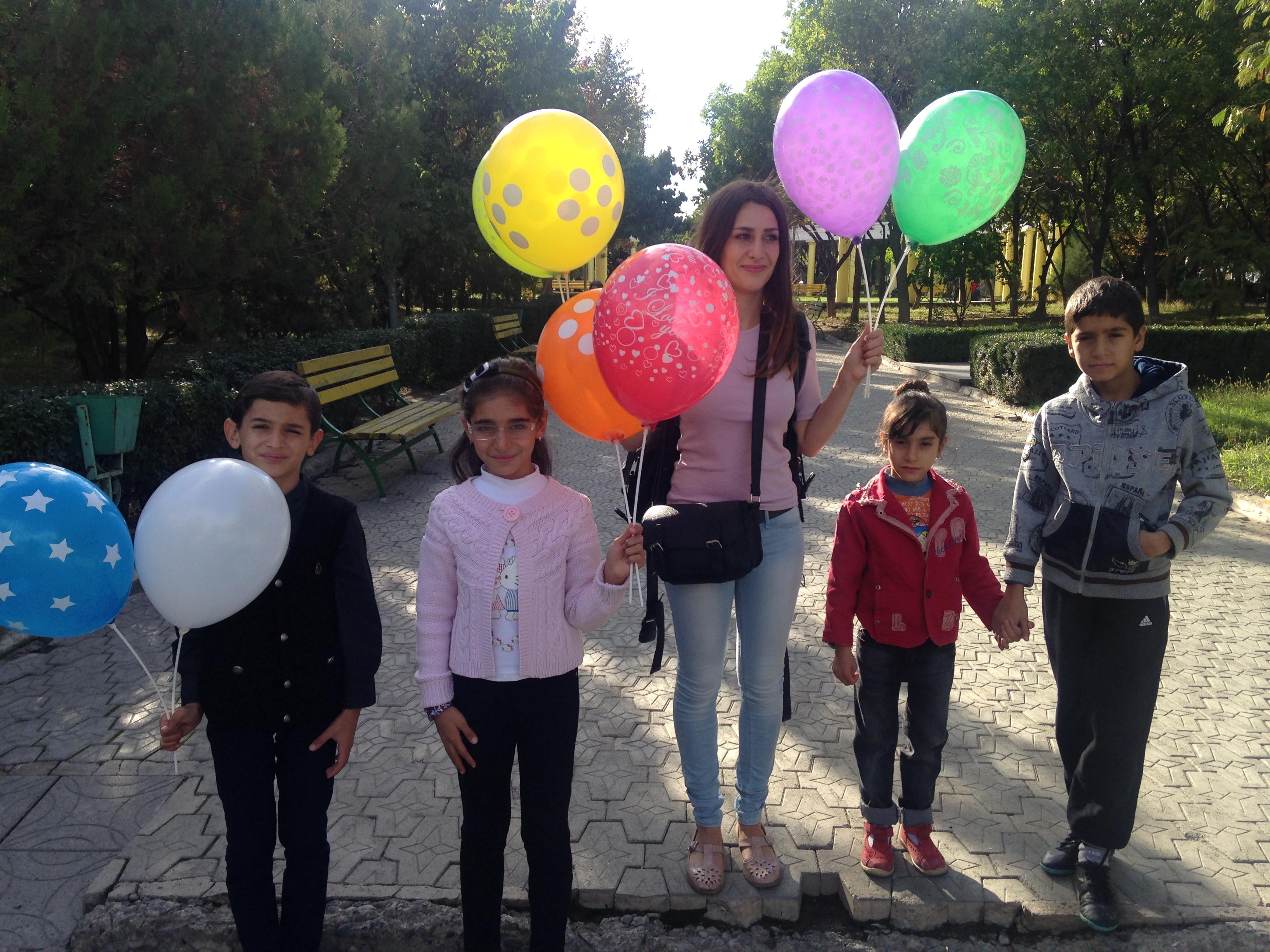 Ausflug mit den Waisenkindern im Freizeitpark